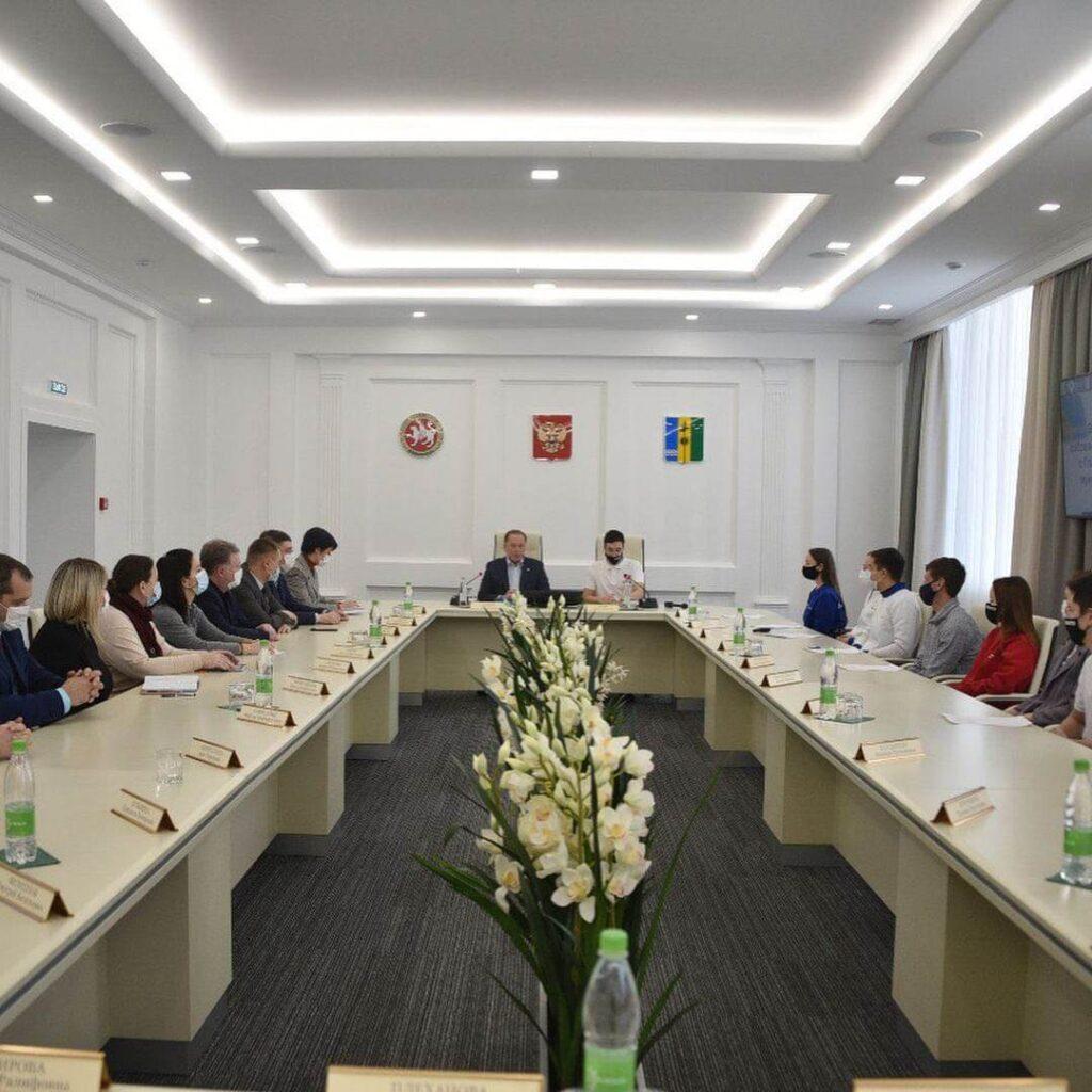Встреча Айдара Метшина с координаторами и активистами волонтерских движений города и района