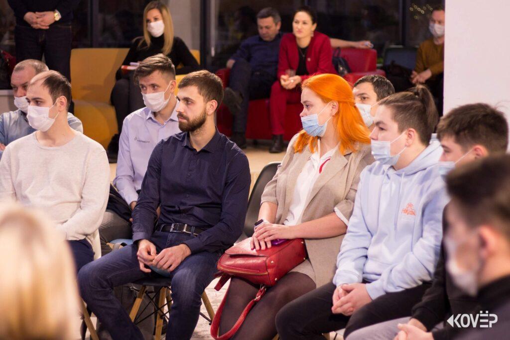 Встреча членов молодежного парламента с мэром Нижнекамска Айдаром Метшиным