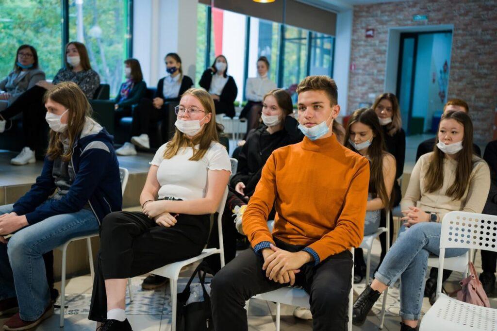 Есть ли социальные лифты для молодежи?